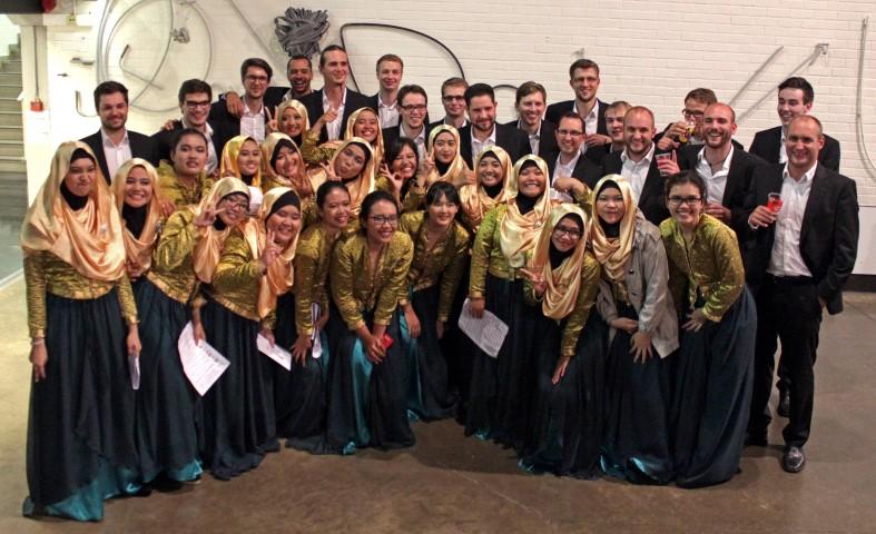 """... mit dem indonesischen Chor """"Agria Swara"""""""