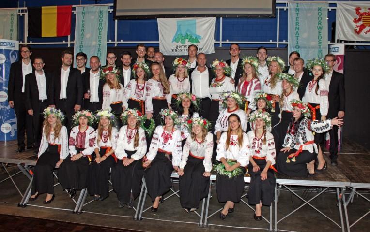 """... und den Sängerinnen von """"Oriana"""" aus der Ukraine"""